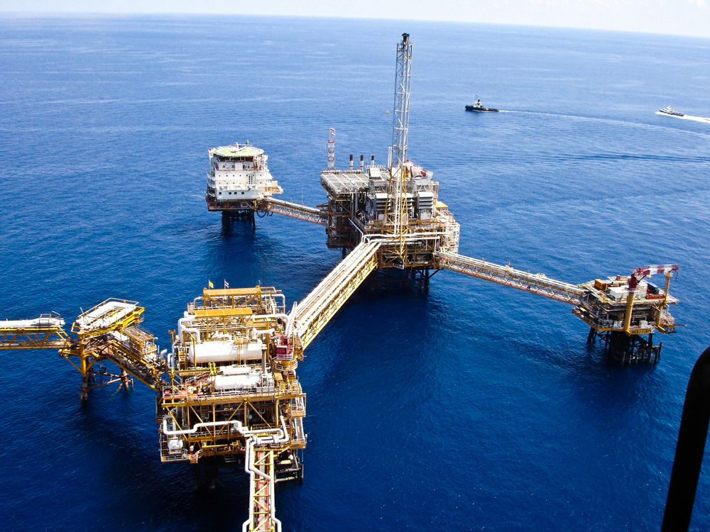 DEEPWATER DRILLING DESIGN AND OPERATION
