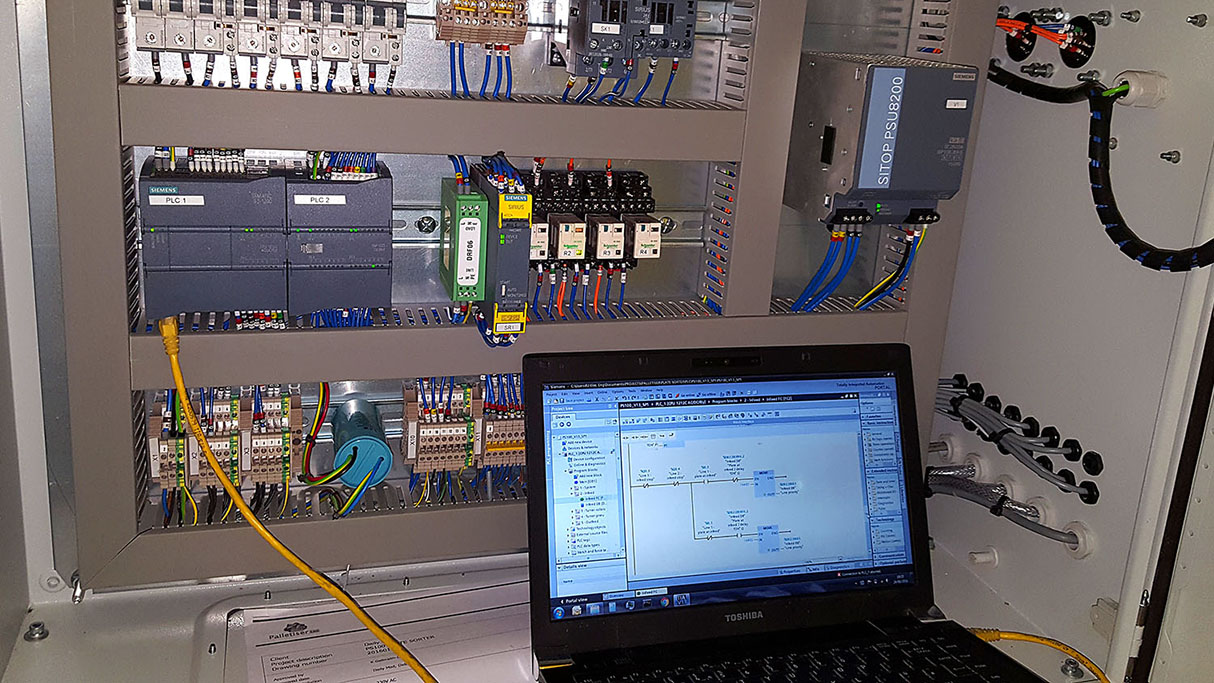 PLC (PROGRAMMABLE LOGIC CONTROLLER): PRINCIPLES, OPERATION AND PROGRAMMING