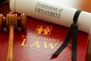 Hukum Ketenagakerjaan & Hubungan Industrial di Indonesia