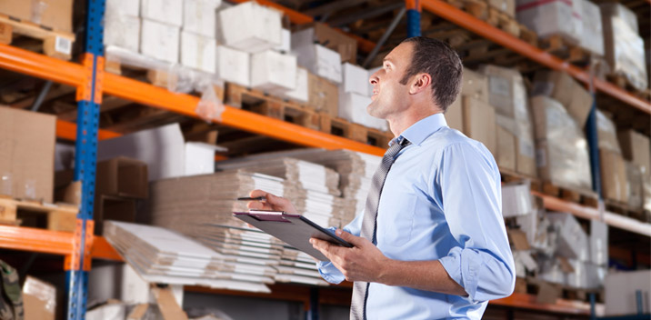 PLANNING AND MANAGING INVENTORIES IN A SUPPLY CHAIN