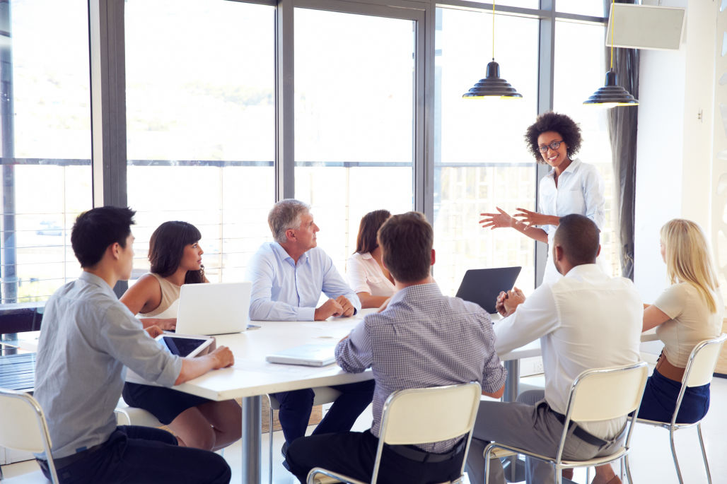 TRAINING TENTANG HOW TO CONDUCT EFFECTIVE TEAM MEETING